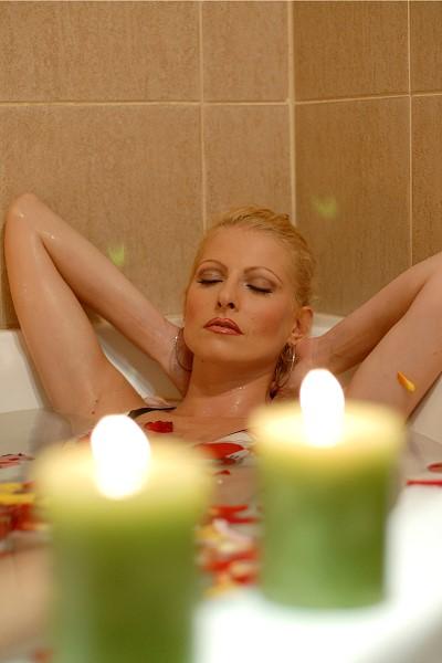st-johns-erotic-massage-sexy-girl